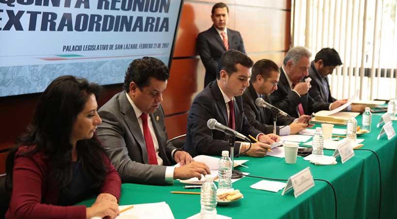 Avalan+en+comisiones+reformas+a+diversas+disposiciones+del+reglamento+del+Canal+del+Congreso