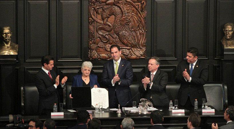 Senado+otorga+Medalla+Belisario+Dom%C3%ADnguez%2C+post+mortem%2C+a+Gonzalo+Rivas+C%C3%A1mara