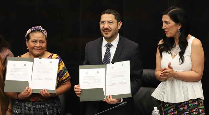 Senado+firma+convenio+de+colaboraci%C3%B3n+con+Rigoberta+Mench%C3%BA+Tum%2C+Premio+Nobel+de+la+Paz+en+1992