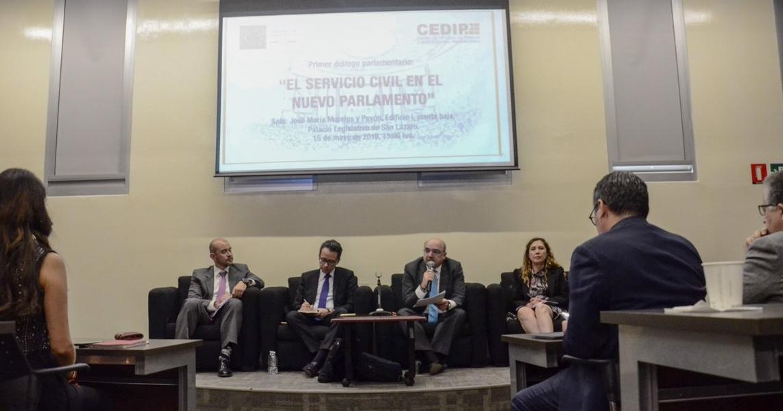 C%C3%A1mara+de+Diputados+realiza+Primer+Dialogo+del+Servicio+Civil+en+el+Nuevo+Parlamento+