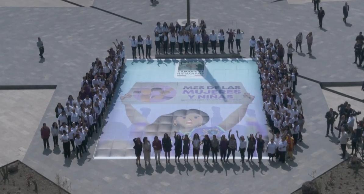 Realizan+Mosaico+Conmemorativo+del+D%C3%ADa+Internacional+de+la+Mujer