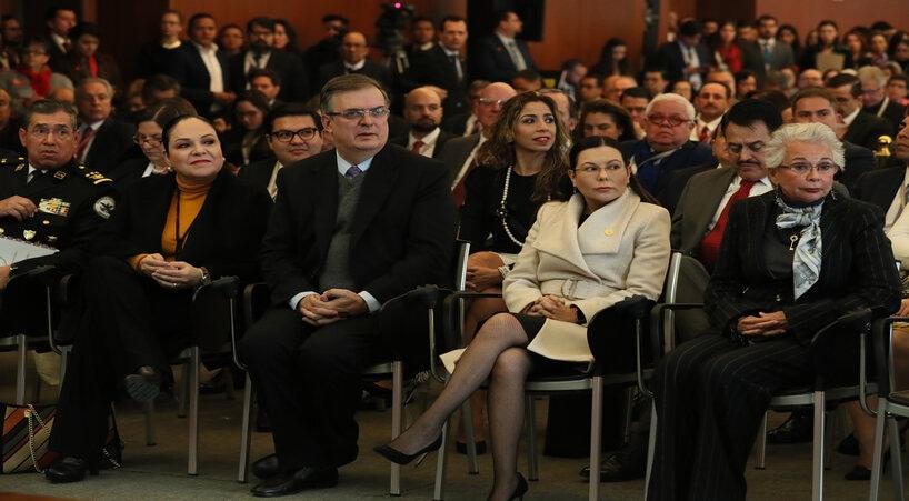 Presidentas+del+Congreso+de+la+Uni%C3%B3n+asisten+a+Reuni%C3%B3n+de+Embajadores+y+C%C3%B3nsules+