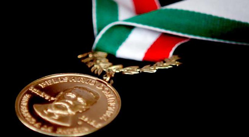 Avalan+otorgar+Medalla+Belisario+Dom%C3%ADnguez+a+Carlos+Payan+Velver+y+Julio+Scherer+Garc%C3%ADa+