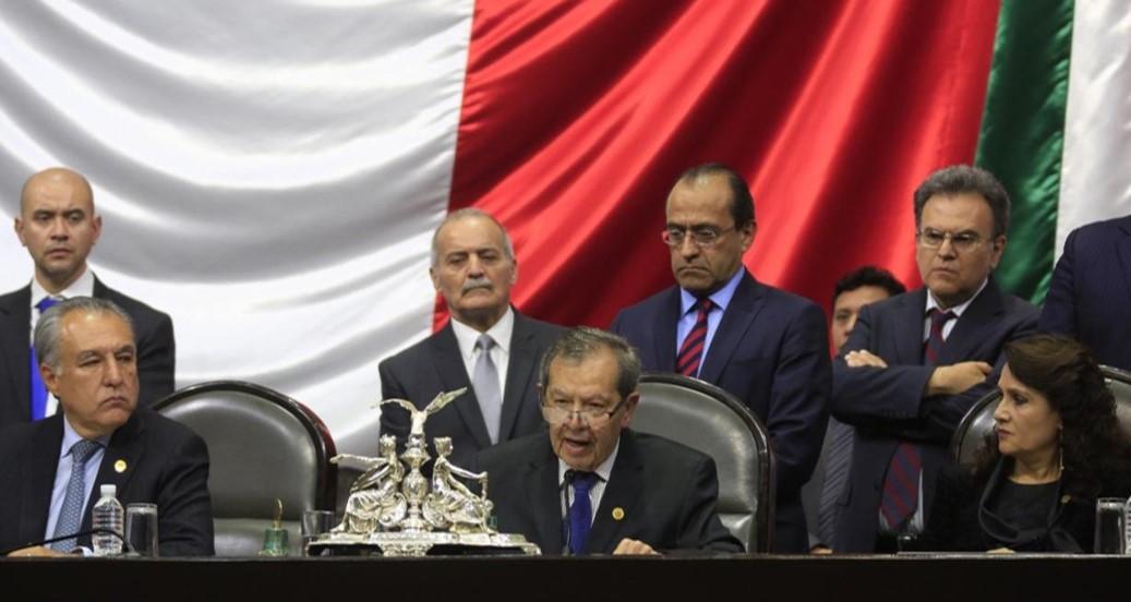 Diputado+Porfirio+Mu%C3%B1oz+Ledo+anuncia+su+renuncia+a+la+Mesa+Directiva+de+la+C%C3%A1mara+de+Diputados