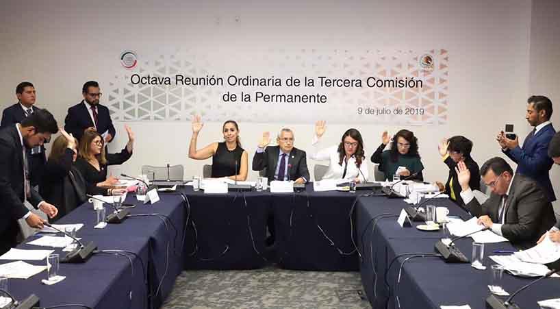 Tercera+Comisi%C3%B3n+de+la+Permanente%2C+se+pronuncia+por+renuncia+de+Carlos+Urz%C3%BAa+