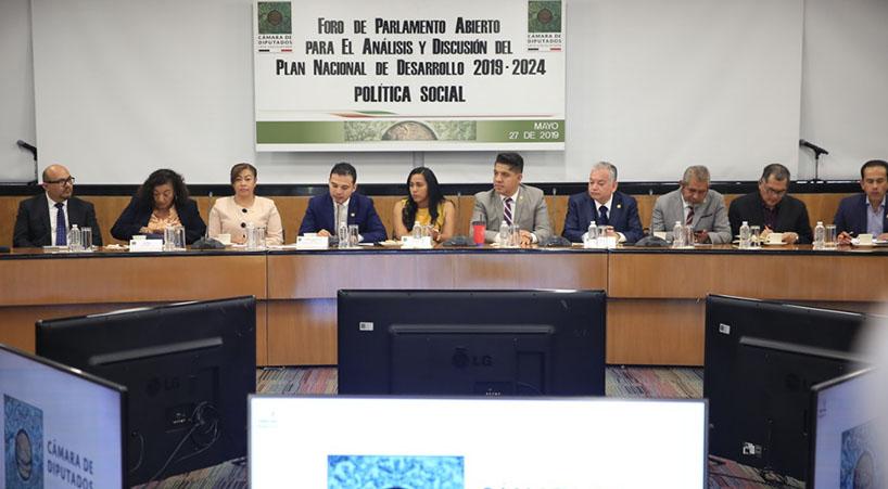 En+Parlamento+Abierto%2C+especialistas+analizan+el+PND+en+materia+de+pol%C3%ADtica+social