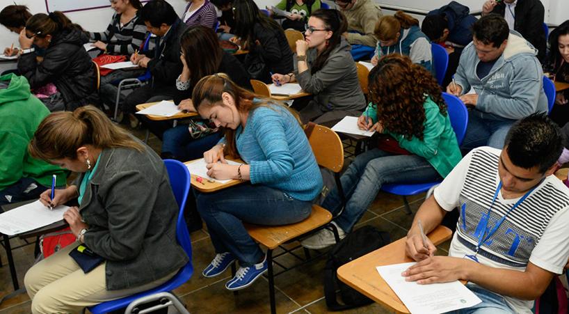 Exigen+al+Ejecutivo+impulsar+y+facilitar+revalidaciones+y+equivalencias+de+estudios