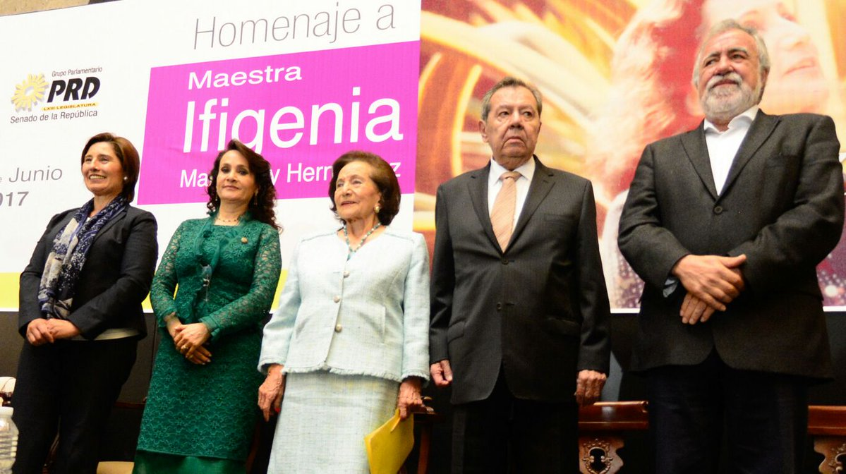 Rinde+homenaje+el+Senado+a+la+Maestra+Ifigenia+Mart%C3%ADnez+por+su+trayectoria+acad%C3%A9mica+y+pol%C3%ADtica++