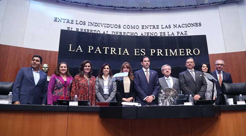 Rub%C3%A9n+Flores+rinde+protesta+como+Consejero+Independiente+de+CFE