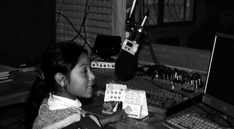 Departen+sobre+el+desarrollo+de+radios+comunitarias
