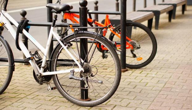 Oficinas+deber%C3%A1n+instalar+por+ley%2C+estacionamientos+para+bicicletas+en+edificios+p%C3%BAblicos