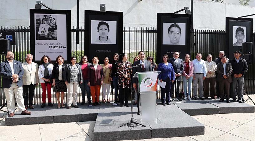 Inauguran+en+el+Senado+exposici%C3%B3n+fotogr%C3%A1fica+por+los+43+de+Ayotzinapa